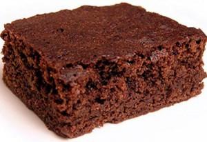 brownie-almendras-ciruelas