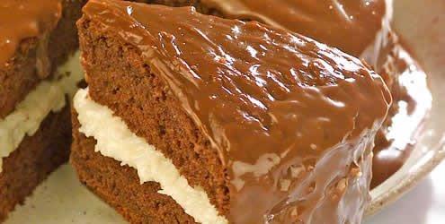 Pastel de chocolate relleno