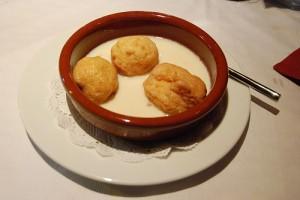 Desayuno o almuerzo..?-http://www.donpostre.com/wp-content/uploads/repapalos-leche-canela.jpg