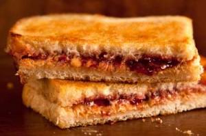 sandwich-cacahuete-mermelada