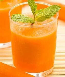 smoothie-naranja-manzana-zanahoria